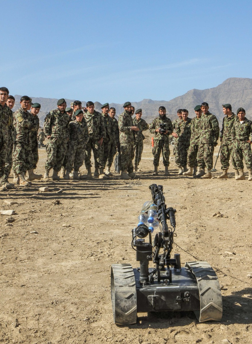 Afghan soldiers take lead in IED defeat | Article | The ...