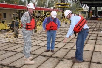 Corps Command Sergeant Major Visits Mat Sinking Unit