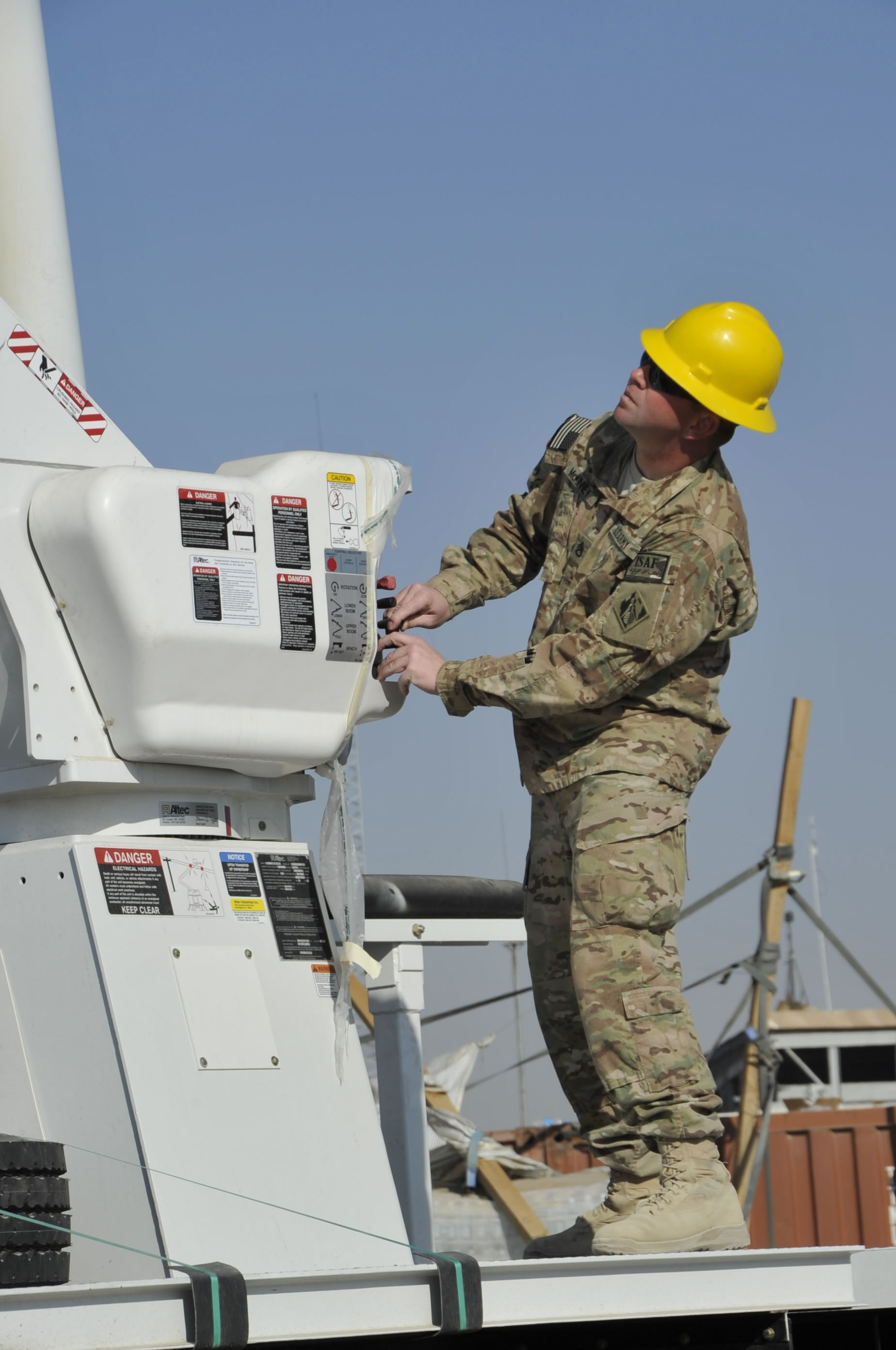 Electrical Engineer Equipment : Afghan electrical engineers linemen receive training new