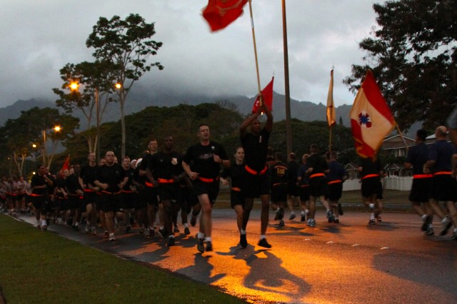 SCHOFIELD BARRACKS, Hawaii - Hawaii's Signal Soldiers gathered here for a motivational Holiday Run led by 311th Signal Command (Theater) Deputy Commanding General Brig. Gen. Janice M. Haigler. (Photo by Sgt. 1st Class Jessica Berg, 307th Expeditionary Signal Battalion)