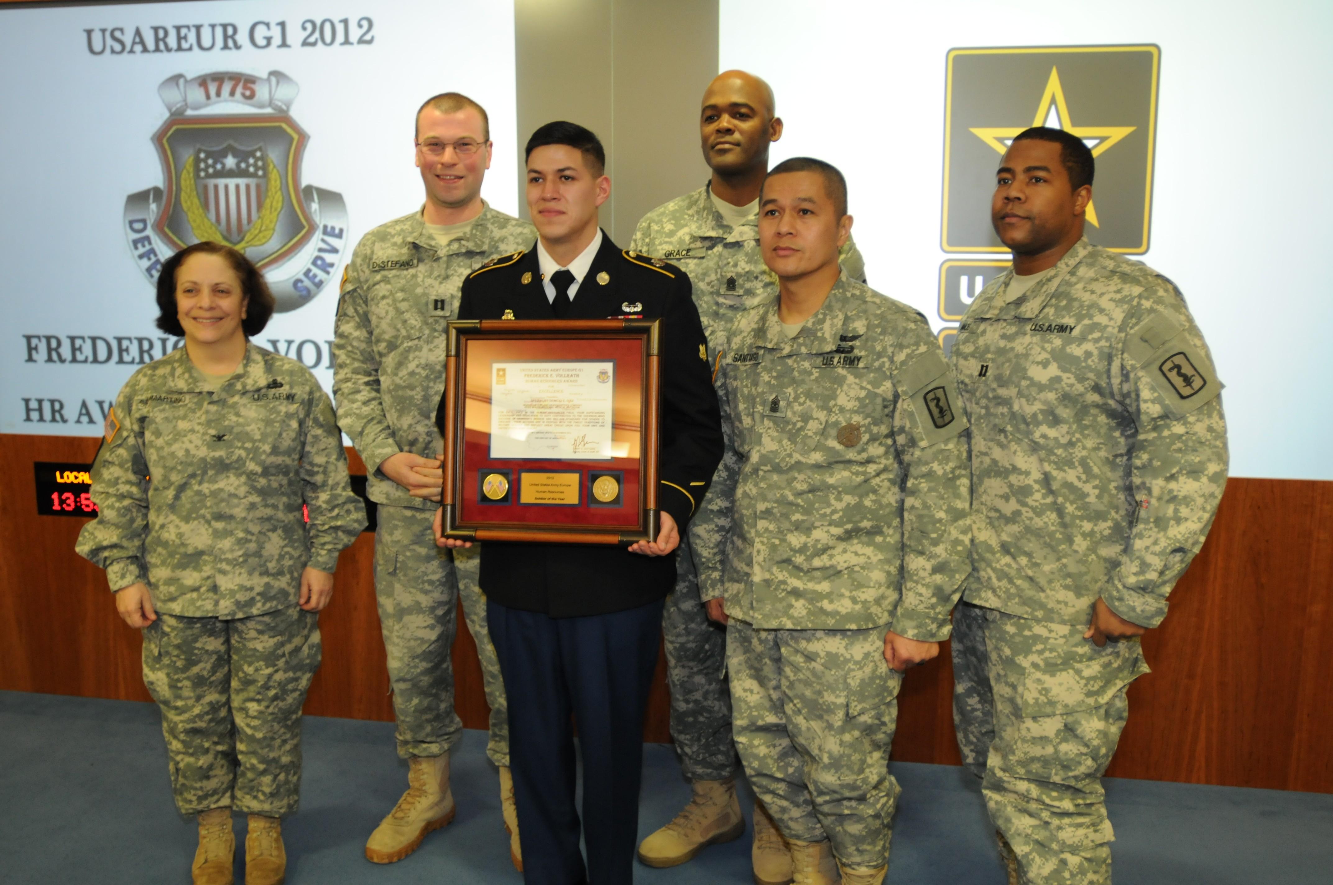 421st Multifunctional Medical Battalion Soldier Earns Usareur Human Resources Award Article The United States Army