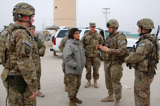 The Honorable Heidi Shyu, assistant secretary of the Army for Acquisition, Logistics and Technology, meets Soldiers who use equipment fielded by ASA (ALT) on a daily basis Jan. 15. (Photo by Summer Barkley, ASC Public Affairs)
