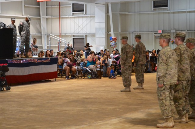 Lightning Support Soldiers honored during redeployment ceremonies