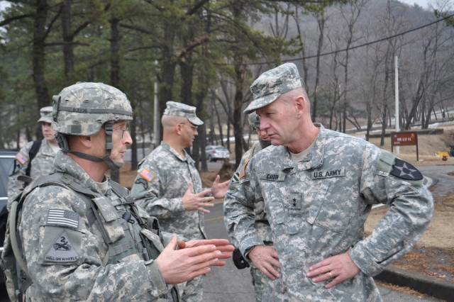 CAMP CASEY, South Korea - Lt. Col. Jay C. Gardner, the commander of 6th Battalion, 37th Field Artillery Regiment, 210th Fires Brigade, 2nd Infantry Division, welcomes Maj. Gen. Edward C. Cardon, the commanding general of the 2nd Infantry Division. (U. S. Army photo by Pfc. Kim Han-byeol, 210th Fires Brigade Public Affairs Specialist/Released).