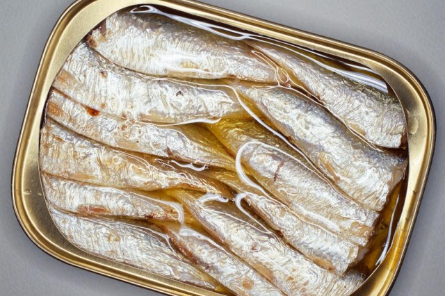 "Sardines, with their low levels of mercury, and high levels of important nutrients, are a simple, nutritious, and cost-effective way to ""get the biggest bang for your nutrition buck!"""