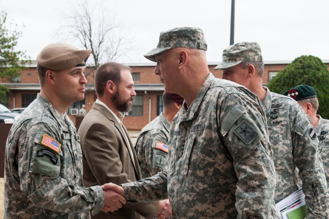 CSA greets Soldiers at Fort Bragg