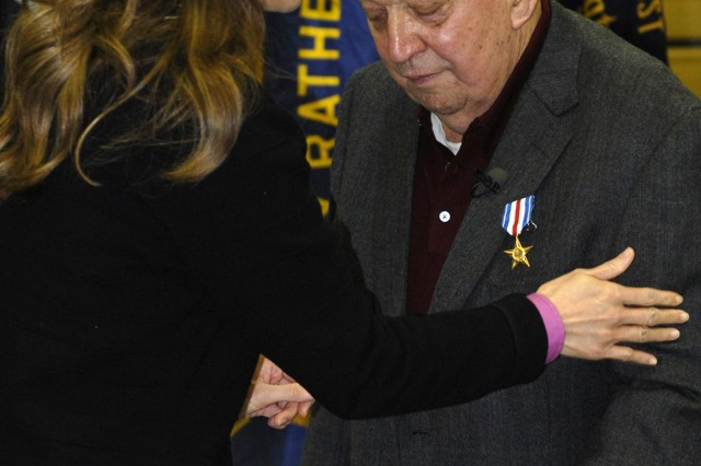 Korean War veteran receives long overdue Silver Star Medal