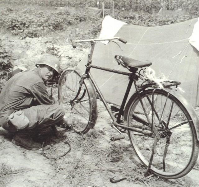 Kapaun uses bike to navigate battlefield