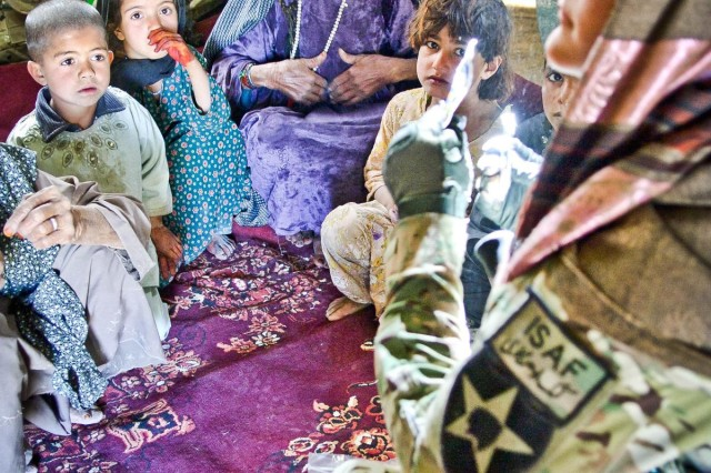 Afghans take the lead in offering medical treatment