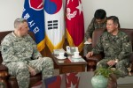 Eighth Army commander visits ROK Army 17th ID