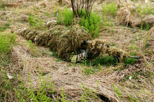 Fire-resistant ghillie suit, enhanced rocket fuze win DoD awards