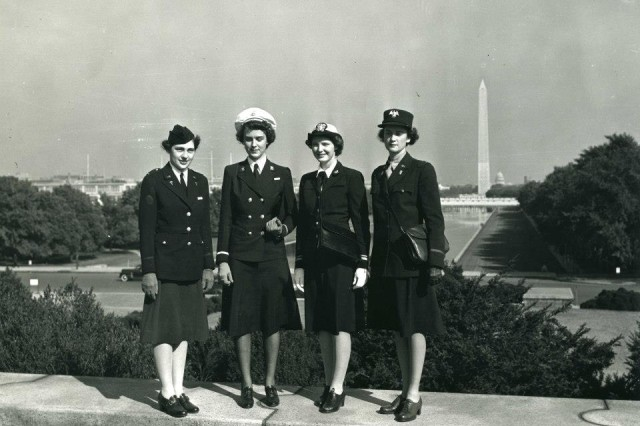 WAVE, WAC, ANC, NNC in front of Lincoln Memorial in Washington, D.C. - Alberta Holdsworth WAAC Oct 1942