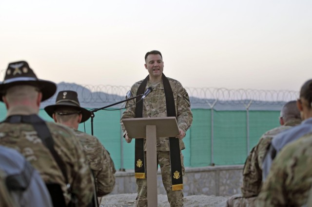 Soldiers, civilians celebrate Easter with sunrise service ...