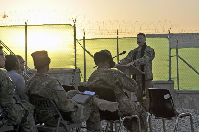 Soldiers, civilians celebrate Easter with sunrise service