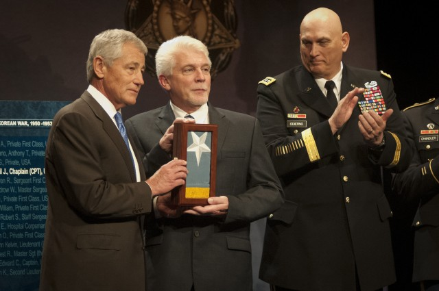 Chaplain Kapaun inducted into Hall of Heroes