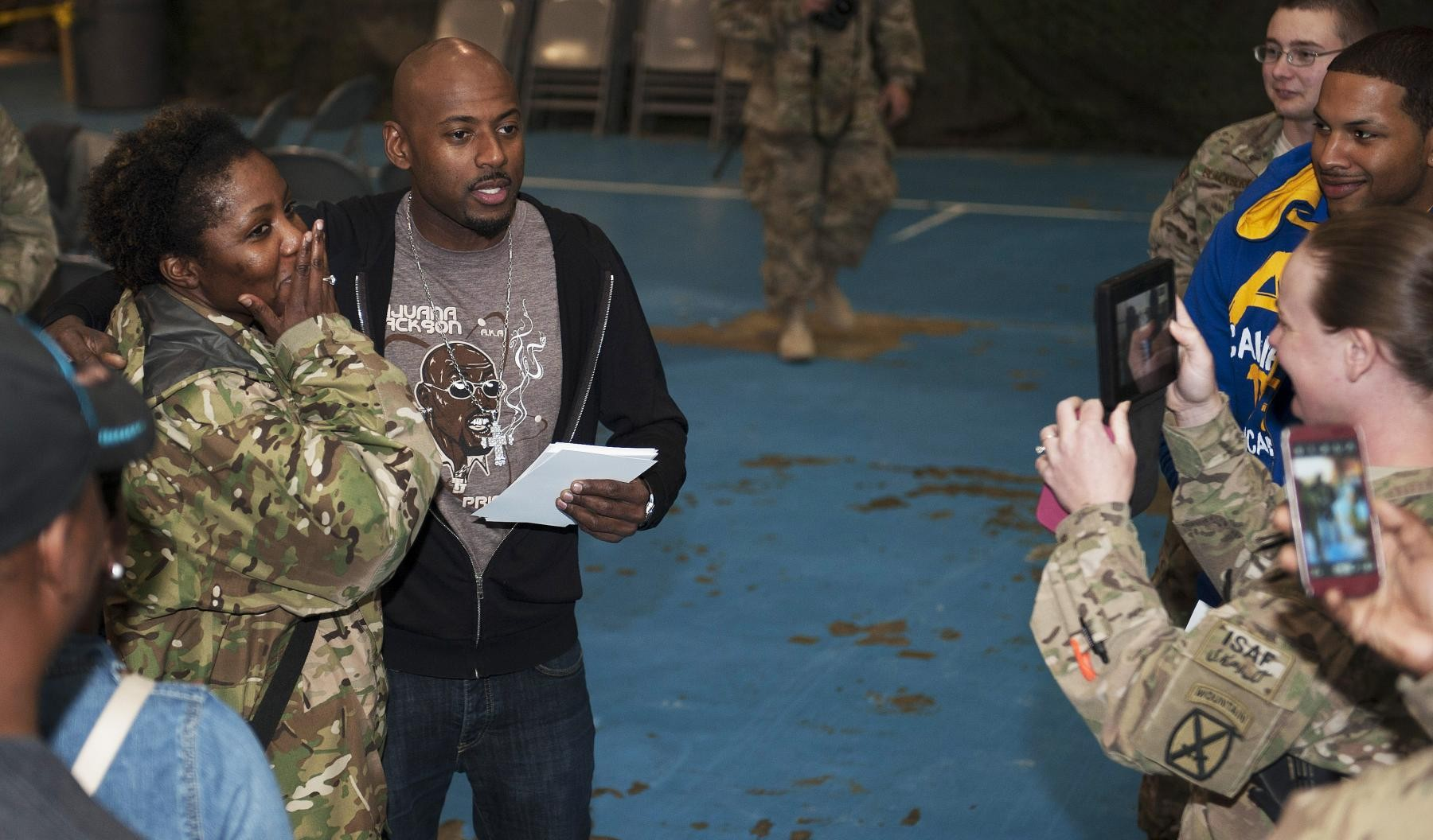 Hollywood celebrities meet service members article the united original kristyandbryce Images