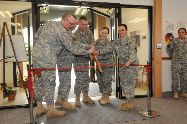 Fort Leonard Wood officials cut ribbon for new Warrior Transition Unit
