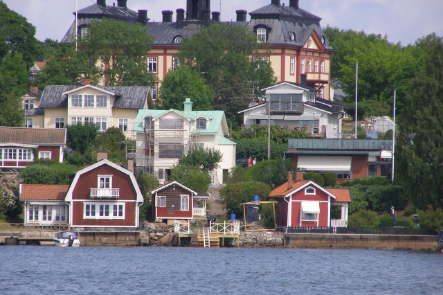 The shore of an island in the Stockholm Archipelago just off the coast of Sweden.