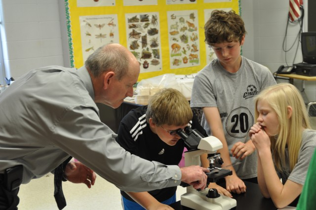 CAAA Visits Elementary Science Lab Financed by STEM Program