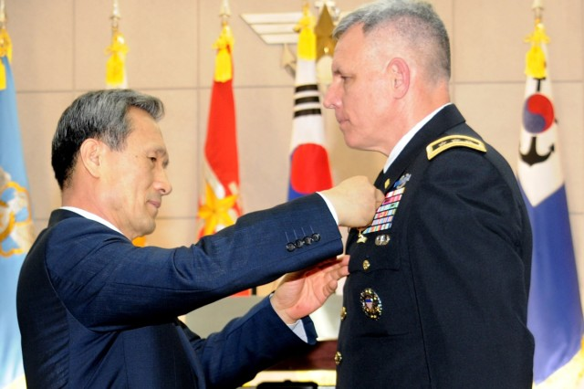 Johnson receives Korean National Security Medal