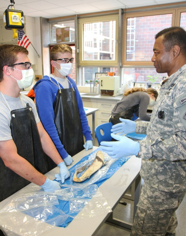 New STEM agreement strengthens USACE support of DODEA