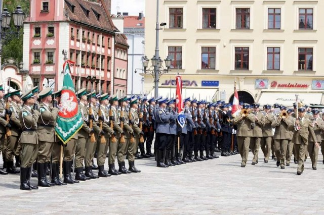 Members of the Polish Armed Forces conduct ceremonial activities during Dzien Weterana 2013 in Wroclaw, Poland.