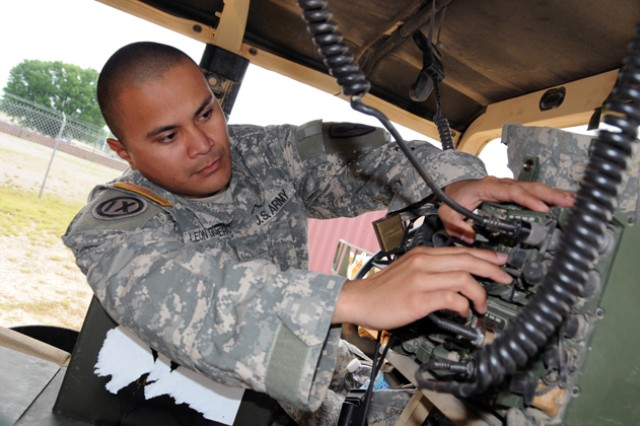 Pacific Islander NCO motivates junior Aviation officers