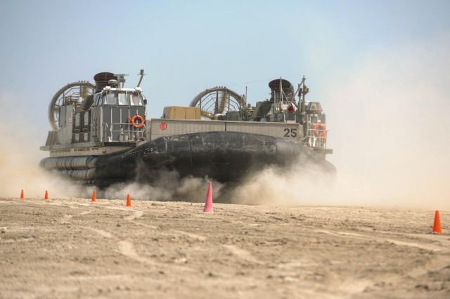 Cashion (AZ) United States  city photo : LCAC, landing craft air cushion, lands at Massaeid Port during the ...