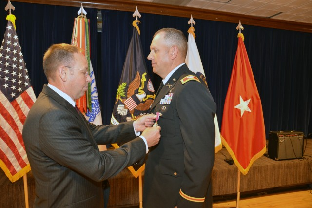 SMDC/ARSTRAT says farewell to Henderson after 27 years of military service