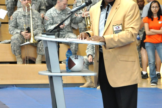 Pro Football Hall of Fame running back Floyd Little joins Wiesbaden military community service members for a 238th Army Birthday celebration.