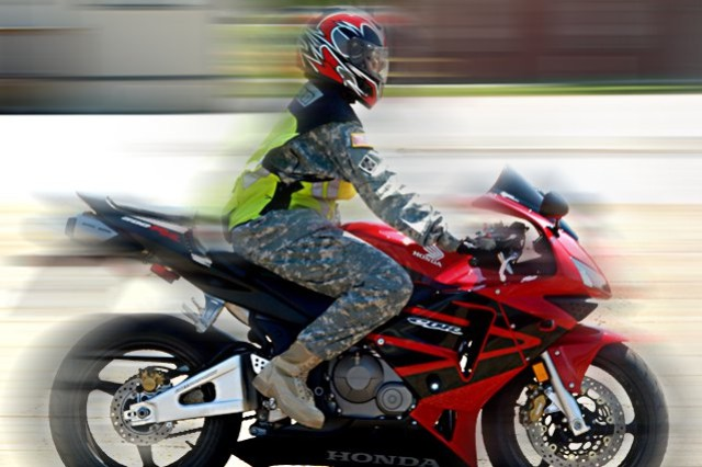 Soldiers who ride motorcycles are required to take a motorcycle safety course and must wear protective gear, including a helmet, and a long-sleeved shirt or jacket, when riding on or off base. Accidents on motorcycles remain a leading cause of fatalities and serious injuries for Soldiers.