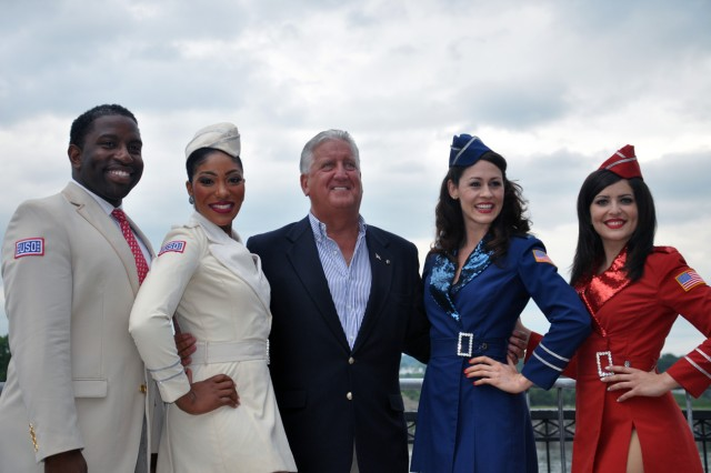 Albany Mayor Gerald Jennings taking a moment prior to the concert to pose with the USO Liberty Bells. From left, Angelo Rios, Renee Freeman, Mayor Jennings, Larissa Klinger, Kristen DaCosta.