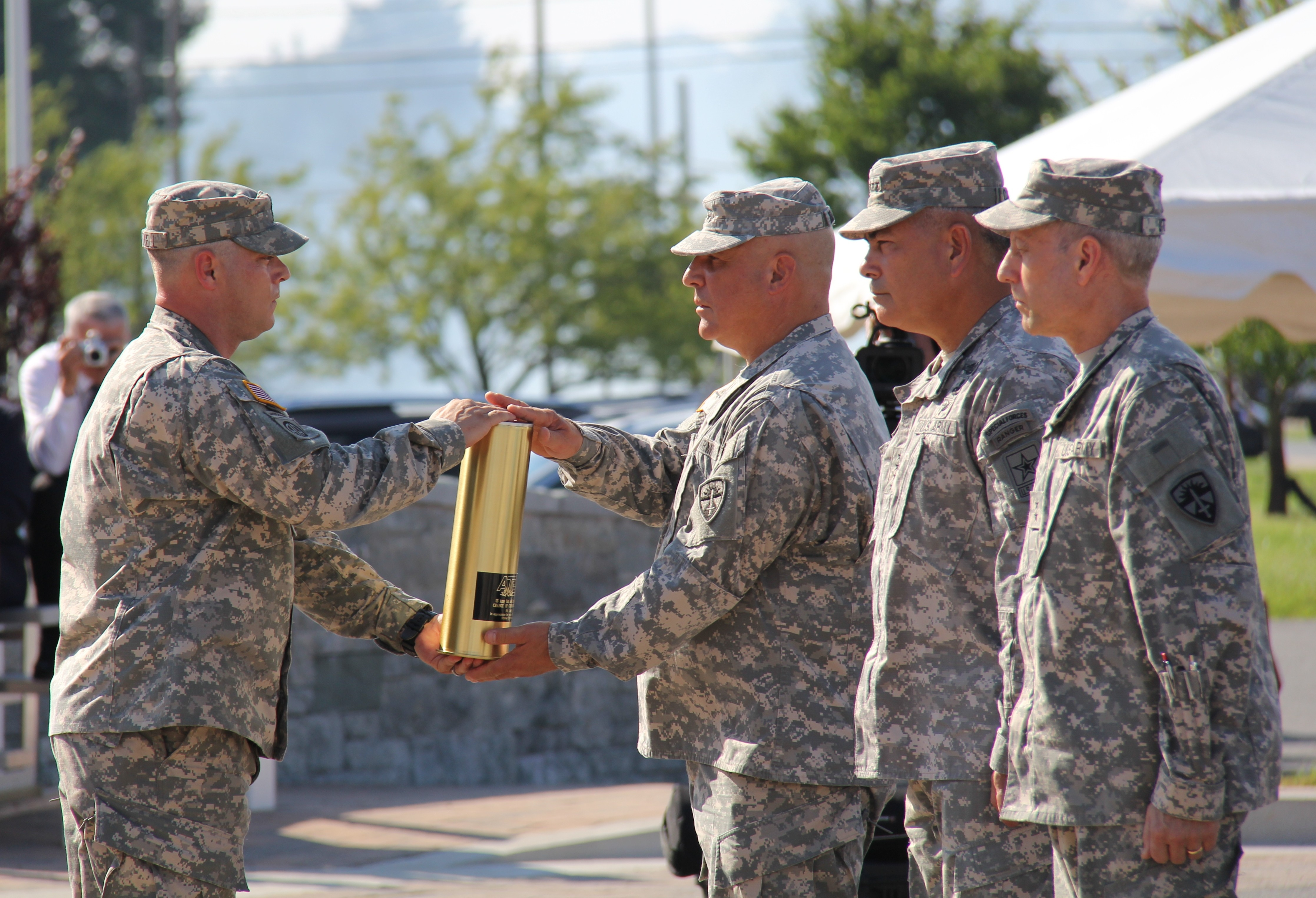 atec welcomes new commanding general dellarocco to retire atec welcomes new commanding general dellarocco to retire
