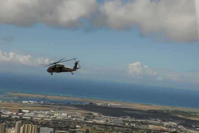 US Army Pacific commanding general conducts Aerial Recon of Oahu