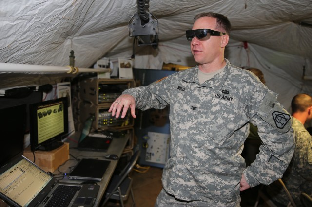 Intelligence sharing through tactical glasses highlighted ...