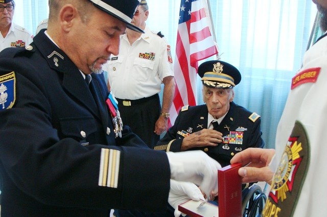 "WWII vet, Myron ""Iron Mike"" Murley, receives French Order of the Legion of Honor"