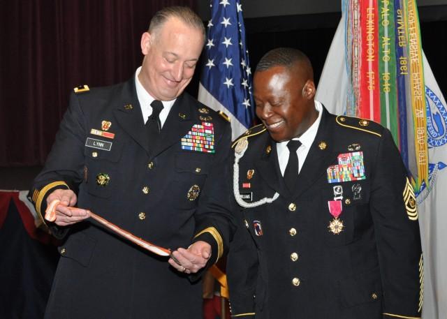 Former NETCOM senior enlisted Soldier retires