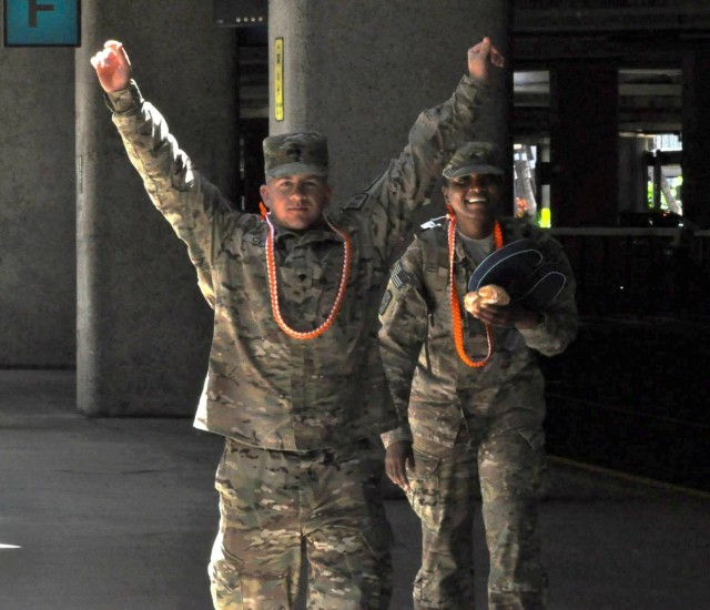 Alpha Company, 307th Expeditionary Signal Battalion Soldiers return triumphant, after Afghanistan signal mission