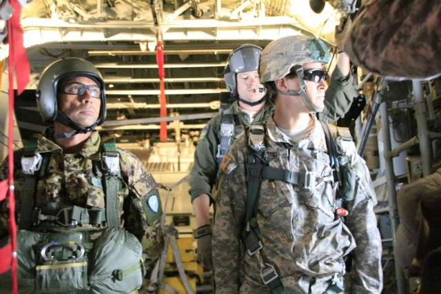 Army Reserve civil affairs soldiers earn Italian jump wings