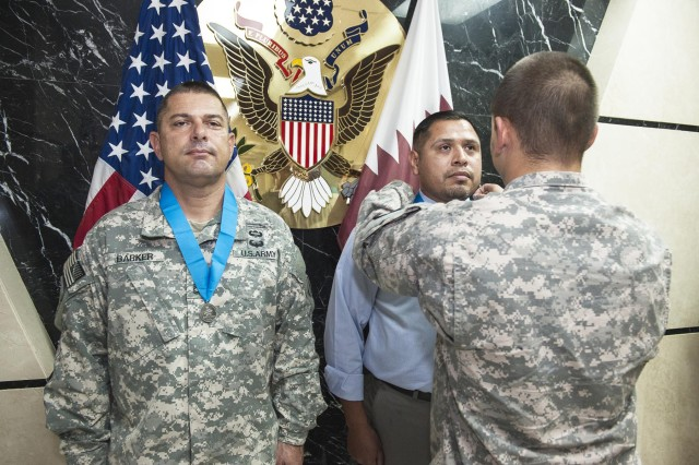 Two receive Knowlton Award while deployed