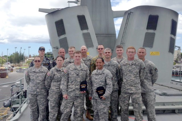 Soldiers take tour with Royal Australian Navy