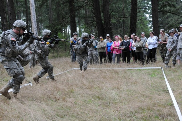 Tomahawks Challenge' a hit with 1-23 Inf  spouses | Article