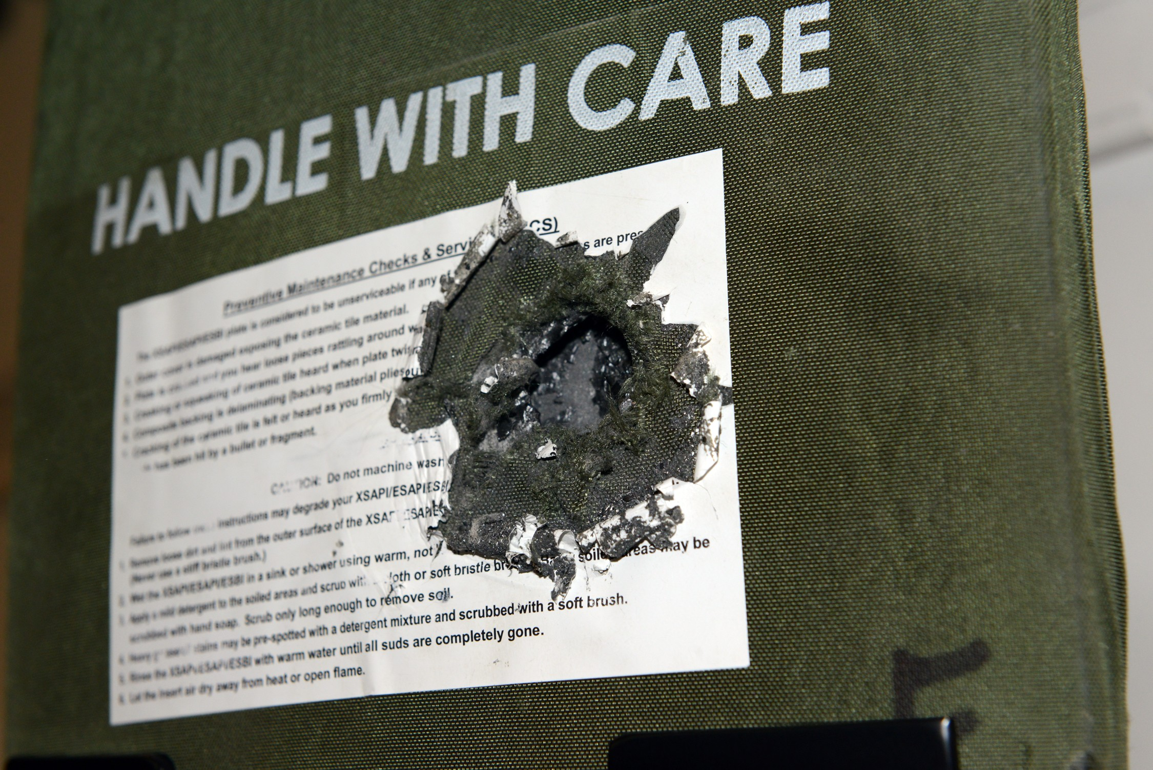 ... ORIGINAL & Life-saving ESAPI plate returned to Soldier | Article | The United ...