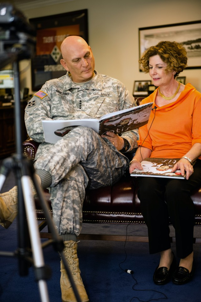 Army Chief of Staff, Gen. Raymond T. Odierno and Mrs. Linda Odierno Read for United Through Reading