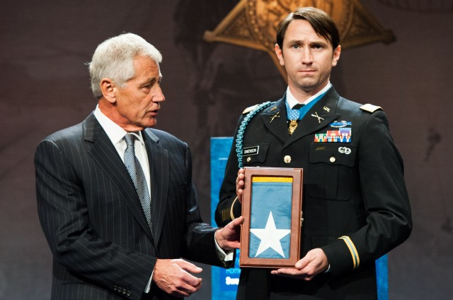 Medal of Honor Recipient CPT William D. Swenson Inducted into Hall of Heroes
