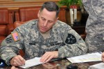 2nd Infantry Division commander pledges his support to annual federal campaign