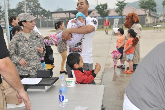Camp Casey Families learn about fire prevention and child