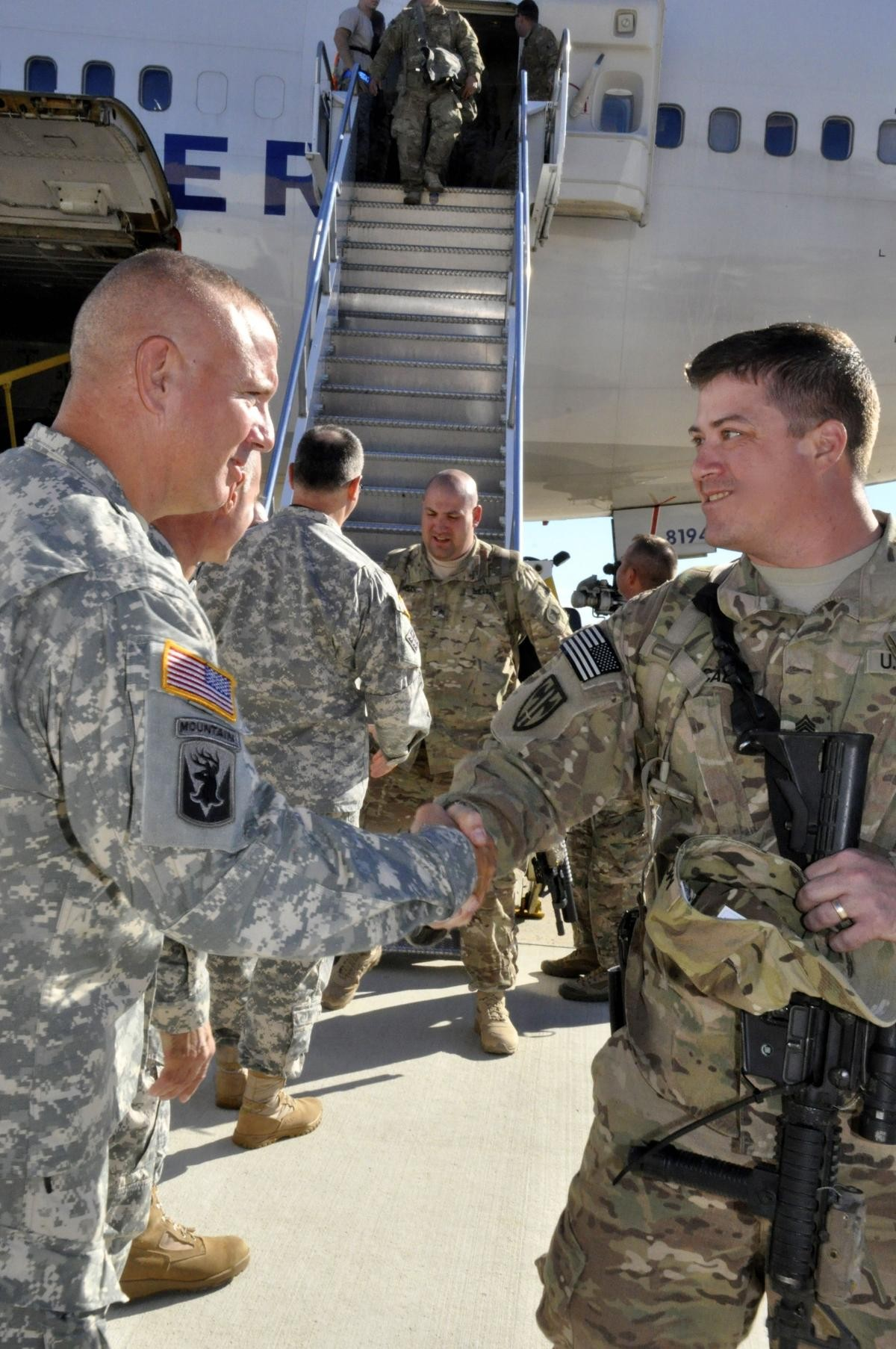 Welcome home, 153rd Military Police Company | Article | The United States Army