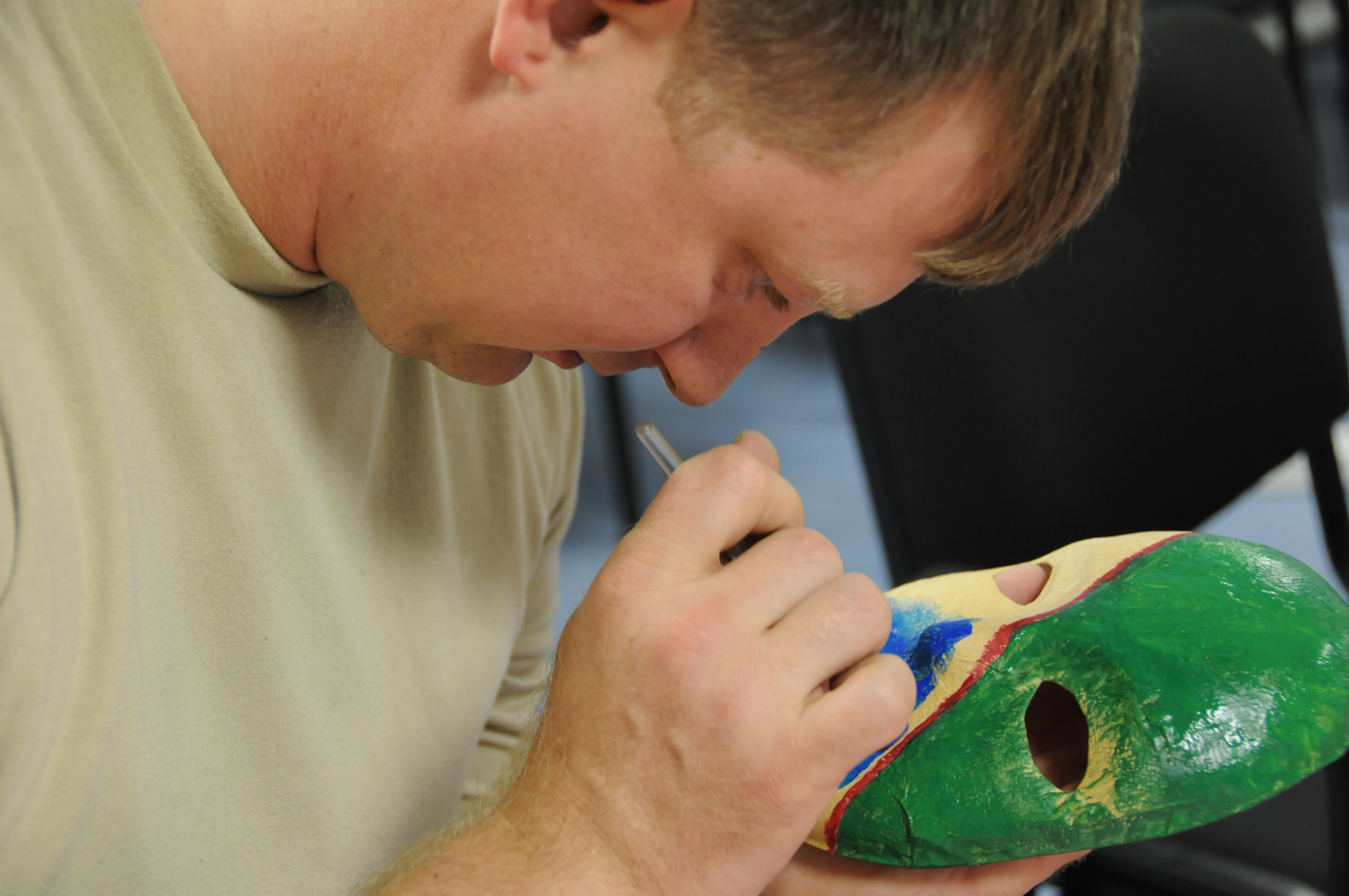 Healing Arts program puts Soldiers at ease | Article | The