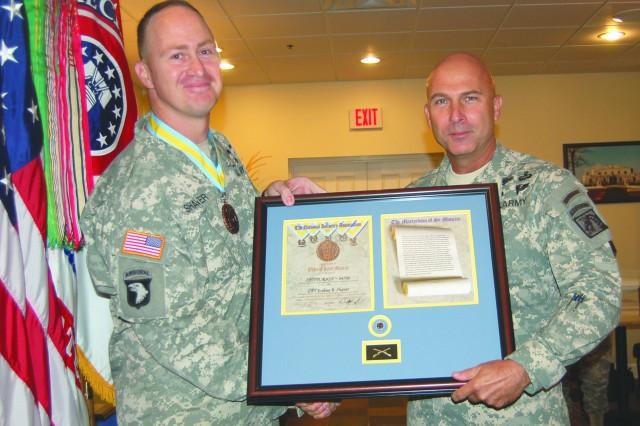 Capt. Joshua Shaver and Lt. Gen. Joseph Anderson
